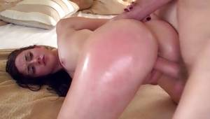Girl is getting her anal pounded and snatch drilles